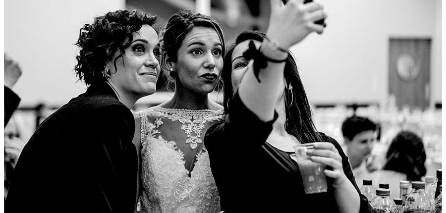 mia dans la lune, mariage d'hiver à Saint Malo, selfie
